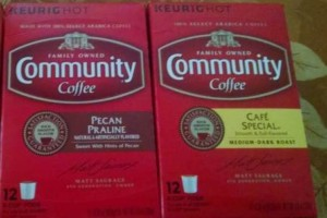 Holiday Coffee from Community Coffee! Enjoy Pecan Praline and Cafe Special with dessert! #HolidayGiftGuide2015