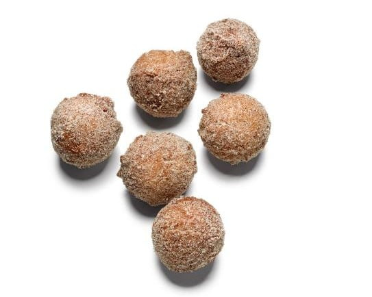 Make these Pumpkin Donut Balls for your on the go Breakfast!