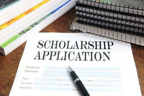 5 Tips for College Scholarship Success
