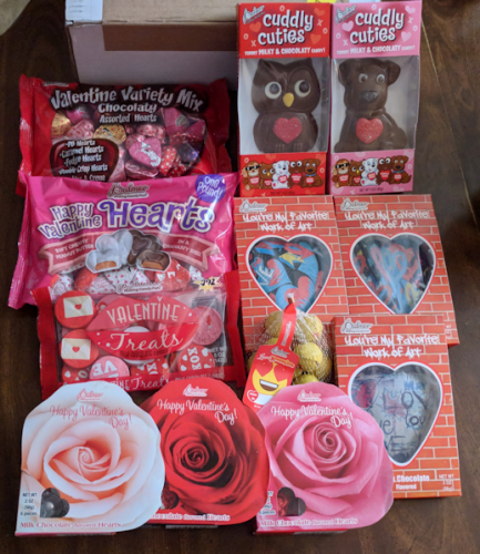 New R.M. Palmer Valentine's Candy – Inexpensive Sweets for your Sweetheart! #ValentinesDay2018